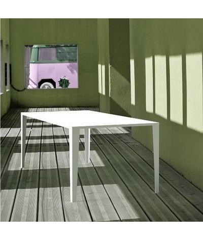 TABLE DE REPAS GAZELLE COLOR