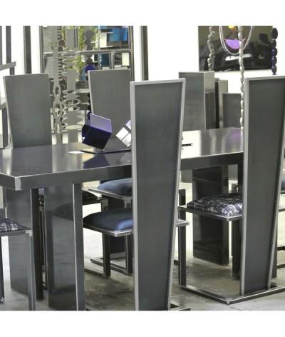 TABLE DE REPAS POP EN METAL NOIR ET GRIS