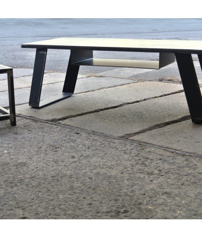 TABLE MAHE BY TERRE ET METAL
