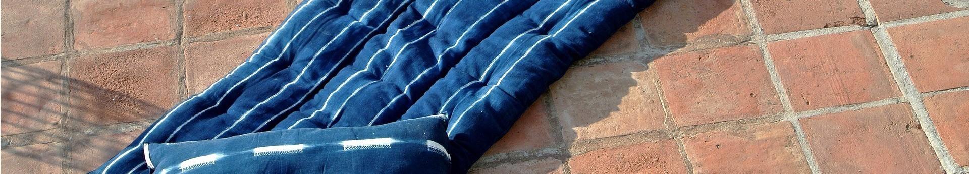 Découvrez la collection de tissus artisanaux tissés à la main By Terre et Métal